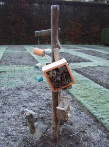'Insect hotel tree' – made from recycled materials