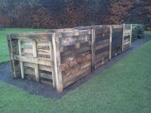 Pallet compost bays